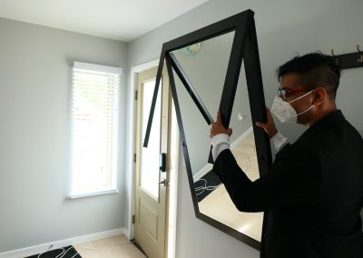 Mirror can convert into a table